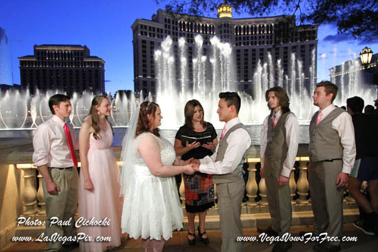 bellagio fountain wedding best photographer las vegas