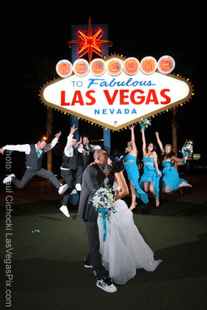 Welcome To Las Vegas Sign Wedding Chapel Photographer Affordable Budget